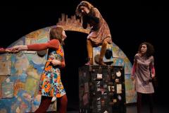 Iguana Teatre / Teatre de la Sargantana HANNA DELS TRES PAÏSOS, de Pere Fullana