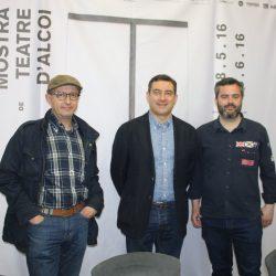 El regidor de Cultura d'Alcoi, Raül Llopis i el director de la Mostra, Miquel Santamaria, han donat a conéixer la XXVI edició de la Fira Escènica